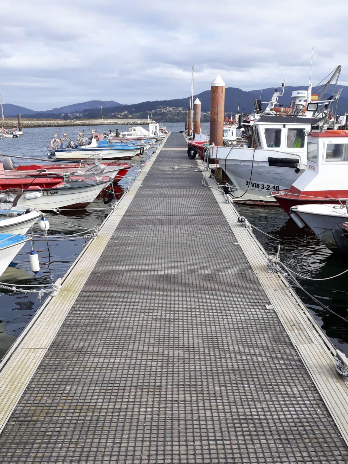 malla anti-deslizante en pasarela puerto trek-net