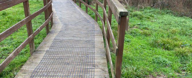 Las mallas antideslizantes Trek-Net reducen el gasto de los ayuntamientos en actuaciones de mantenimiento de las pasarelas
