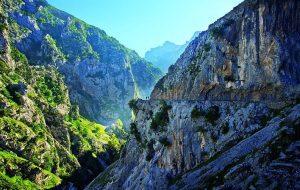 La Ruta del Cares es una de las mejores rutas de senderismo en España